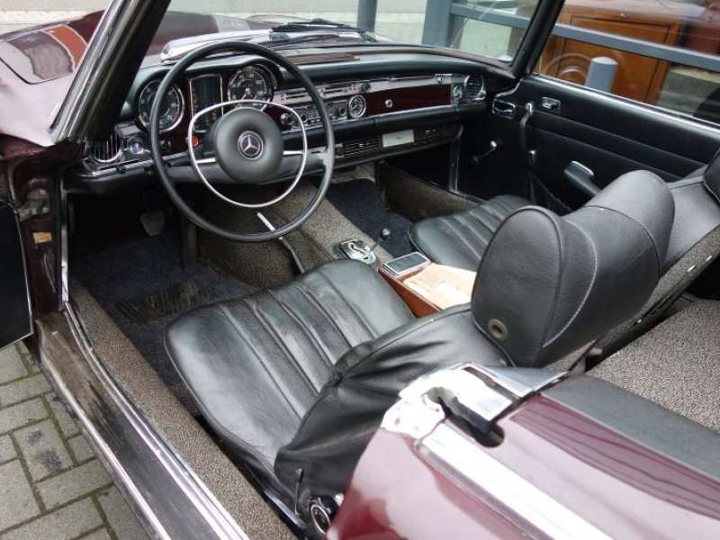 Mercedes benz 280sl automatic geevers classic cars for Auto interieur vernieuwen