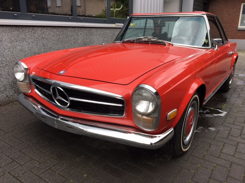 mercedes benz 280sl automatic geevers classic cars. Black Bedroom Furniture Sets. Home Design Ideas